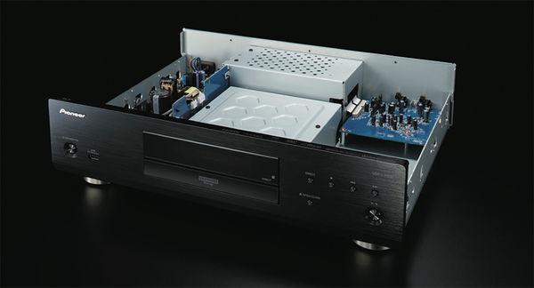 Pioneer UDP LX500,