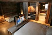 Téléviseur LED Samsung avec encastrement inox