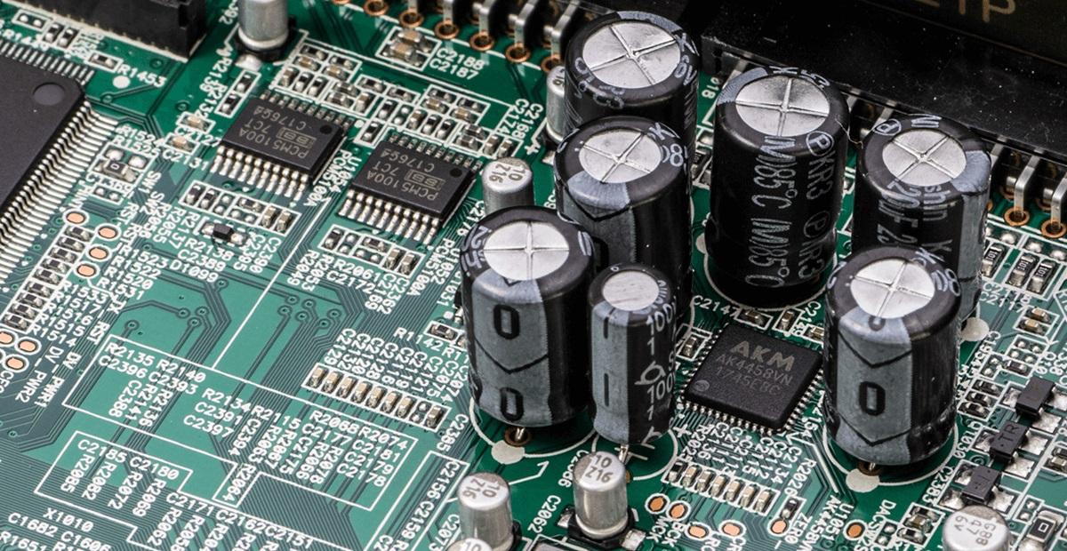 Denon AVC-X6500 H, compatible 24 bits/192 kHz